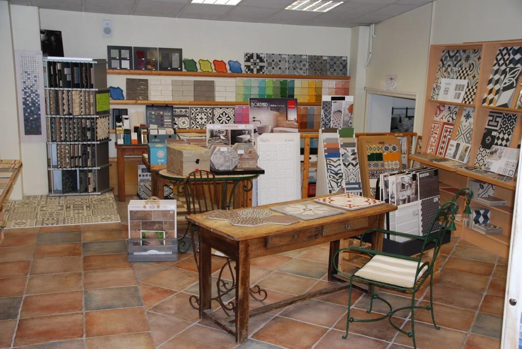 Tendance carrelage vannes plinthe et accessoires for Showroom carrelage paris